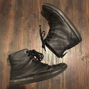 Dr. Doc Martens Boots Black Leather Lace Up